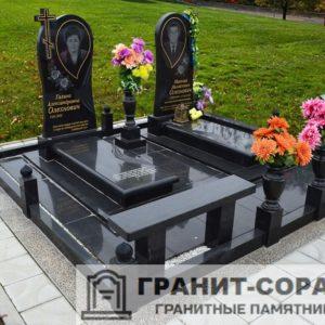 Комплексы на кладбище из гранита №15