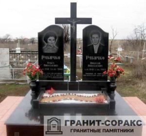 Комплексы на кладбище из гранита №8