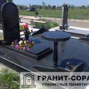 Комплексы на кладбище из гранита №4