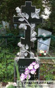 Памятник крест из гранита №10