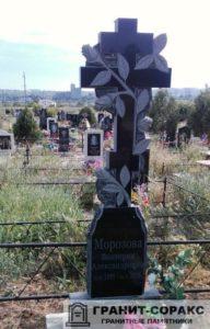 Памятник крест из гранита №22