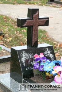 Памятник крест из гранита №3