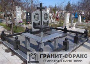 Комплексы на кладбище из гранита №1