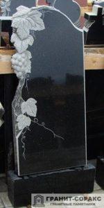 Фото резных мемориалов. Вид №2