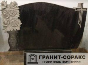 Мемориал с резным крестом №18