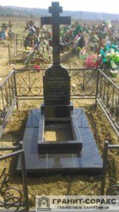 Памятник крест из гранита №27
