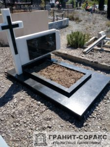 Мемориал с резным крестом №22