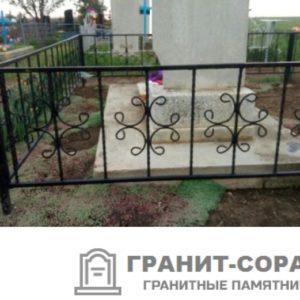 Фото металлической ограды для кладбища Вариант 107
